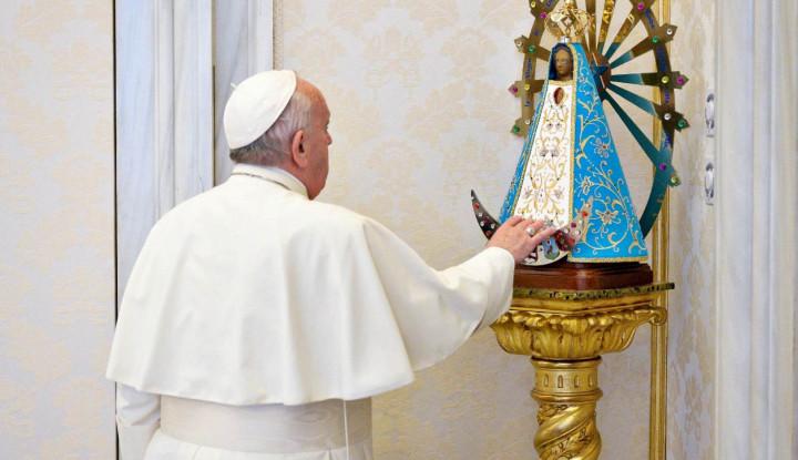 Paus Fransiskus Tiba di Benteng ISIS