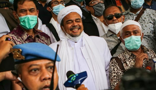 Allahu Akbar! Habib Rizieq Shihab Dikawal 20 Pengacara: Kami Santai...