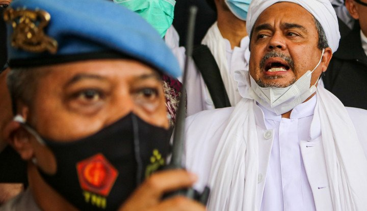 Benarkah Rizieq Shihab Ditendang Polisi?