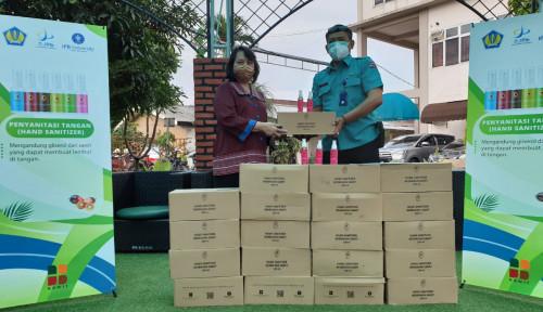 SBRC IPB dan BPDPKS Salurkan Bantuan Hand Sanitizer ke RS Berbasis UKM