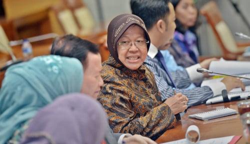 Risma Ungkap 5  Penyebab Penyaluran Bansos Tunai Rp300.000 Tak Capai 100%
