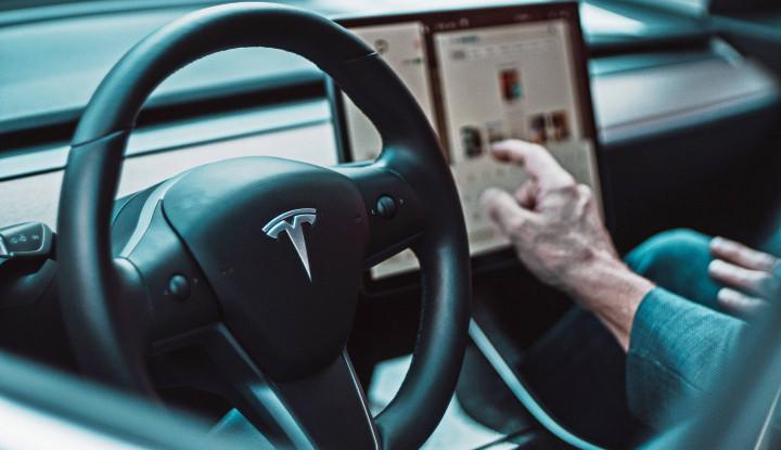 Duh.. Duh.. Lagi dan Lagi, Autopilot Tesla Sebabkan Kecelakaan Fatal di California