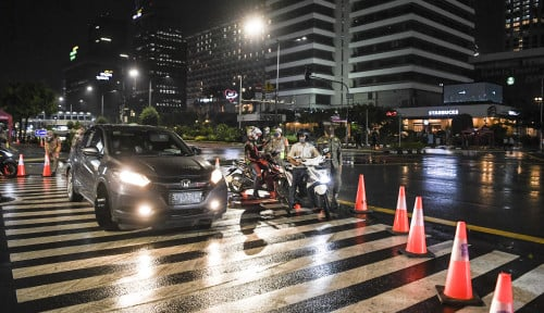 Belasan Kendaraan Gagal Masuk Jakarta, Disuruh Putar Balik Langsung di Perbatasan