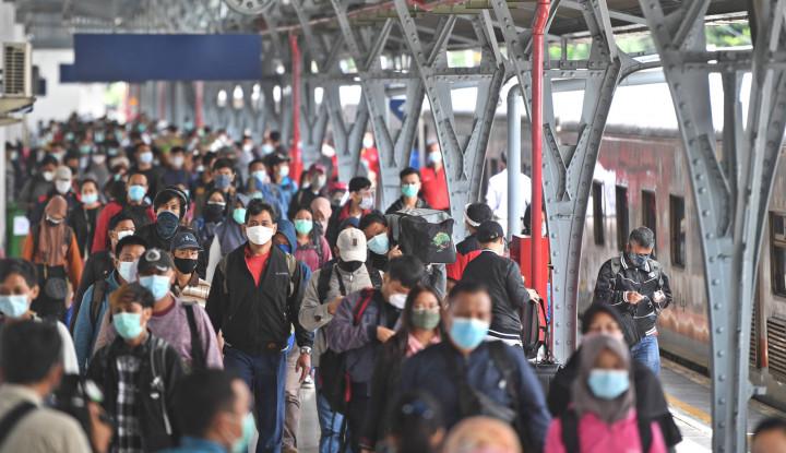 Penduduk Indonesia Tercatat 271,34 Juta Jiwa, Jawa Barat Tertinggi