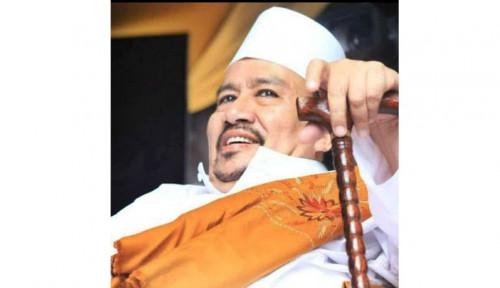 Ratusan Orang Pelayat Sambut Jenazah Habib Ali di Tebet Jaksel
