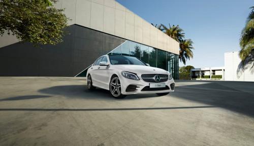 Mercedes-Benz Mampu Pertahankan Posisi Teratas di Tahun 2020