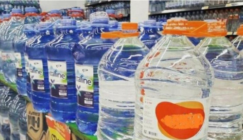 Aktivis Lingkungan Ingatkan Bahaya Mikroplastik Kemasan Air Galon Sekali Pakai