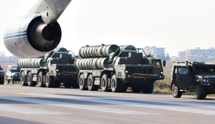 Kementerian Pertahanan Rusia Tandatangani Kontrak untuk 10 Sistem Pertahanan Udara S-500