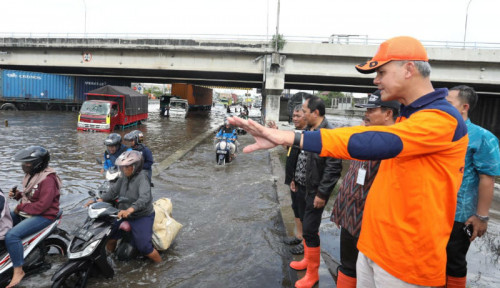 Sidak Banjir Semarang, Ganjar Kesal Lantaran...