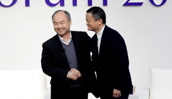 Foto Berita Jack Ma dan Masayoshi Son Tetap Mesra Meski Alibaba Ditekan China, Ini Buktinya!