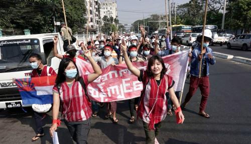 Dua Orang Demonstran Myanmar Tewas Setelah Ditembaki Polisi