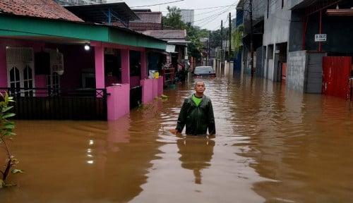 Banjir Jakarta Bikin Panas Dunia Maya, Ahok VS Anies Adu Kuat