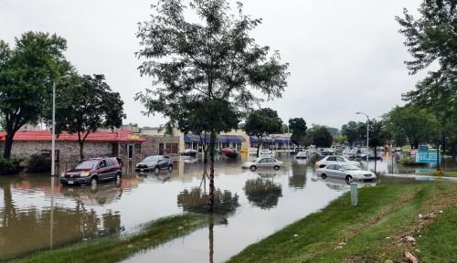 Awas Banjir, Ini Tips Perlindungan Mobil Saat Cuaca Ekstrem