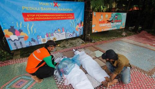 Hari Peduli Sampah: Mahasiswa Demo Anti Peradaban Galon Sekali Pakai
