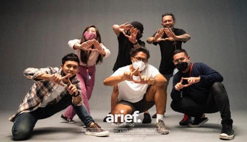 Baso Aci Akang Gandeng Arief Muhammad dalam Video Klip Lagu Sayang