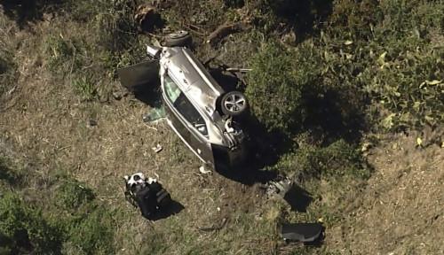 Mobil Pegolf Kondang Tiger Woods Masuk Jurang, Penjelasan Sang Agen: Kecelakaan Tunggal...