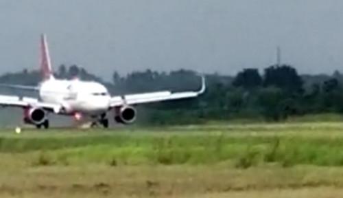 Innalillahi! Pesawat Batik Air Mengeluarkan Api saat Mendarat Darurat