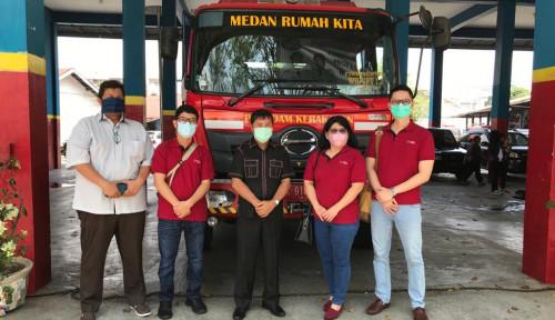 Asuransi Sompo Beri Penghargaan pada Petugas Damkar dan Penyelamatan Kota Medan