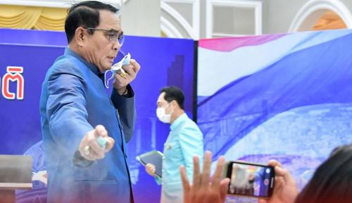 Kelakuan Jenderal ini Tak Patut Ditiru, Ditanya Wartawan Malah Menyemprotkan Hand Sanitizer