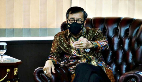 Jokowi Melayat Langsung ke Almarhum Istri Yasonna