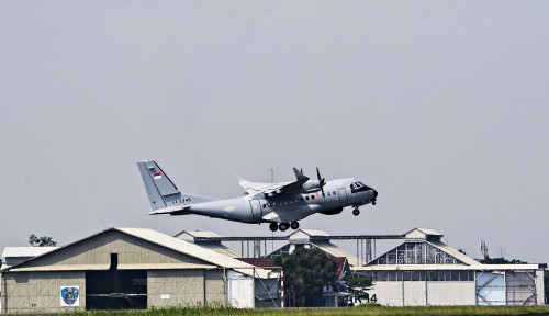 Pesawat Canggih CN 235-220 Buatan Dirgantara Indonesia Tiba di Senegal