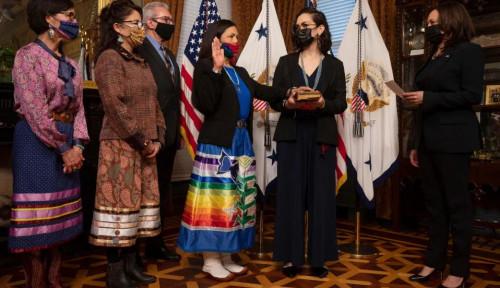 Deb Haaland, Wanita Suku Asli Pertama yang Jabat Menteri di AS