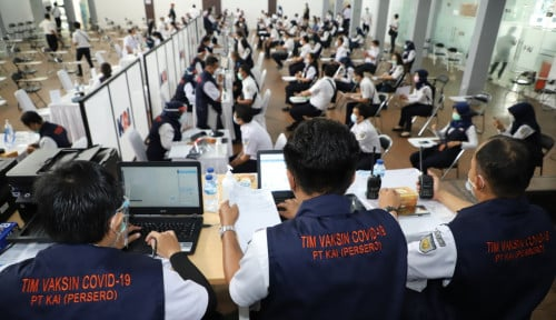 Bikin Pelanggan Nyaman, Ribuan pegawai KAI Divaksin di Bandung