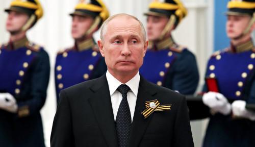 Putin Banding-bandingkan Vaksin Sputnik V dengan AK-47, Apa Maksudnya?