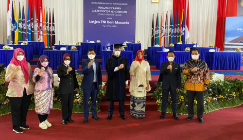 IPB University Beri Anugerah Dr (HC) Bidang Pengelolaan SDA dan Lingkungan kepada Doni Monardo