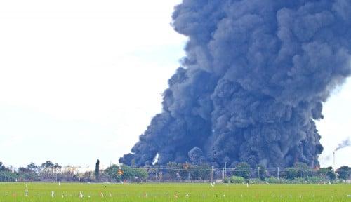 Pemadaman Kebakaran Tangki di Kilang Balongan Pertamina Butuh Waktu 5 Hari