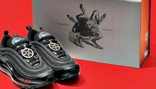Mengandung Darah Manusia, Nike Gugat Sepatu Setan yang Dibandrol Harga Rp14 Juta