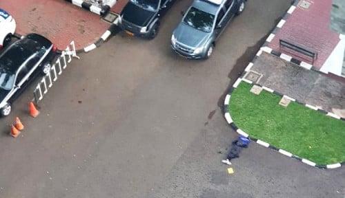 Astaga! Santai Banget Jalannya, Begini Detik-Detik Polisi Tembak Terduga Teroris