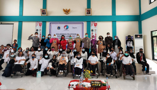 WIMA INA Berbagi Pelatihan Tata Rias dan Menjahit untuk Perempuan Disabilitas