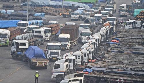 Neraca Dagang RI Alami Surplus 12 Bulan Berturut-Turut