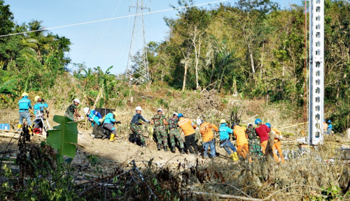 PLN Rampungkan Bangun Menara Listrik Darurat di Pulau Timor NTT dalam 10 Hari
