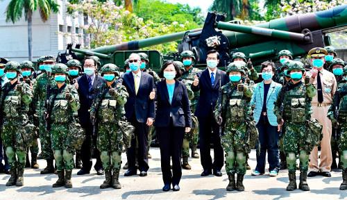 Taiwan Tambah Kekuatan dengan Latih Biksu Buddha, Pertempuran Nyata Kian Tak Terhindarkan?