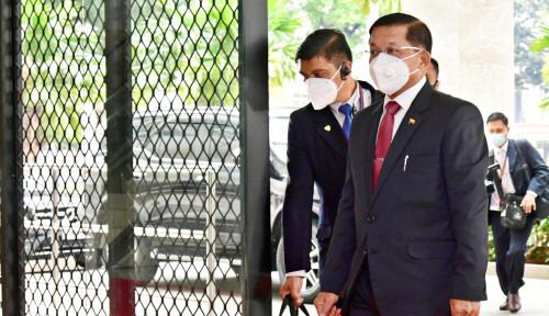 Demonstran Desak Junta Bebaskan Tanpa Syarat Tapol Myanmar: Paling Tidak Presiden dan Suu Kyi...