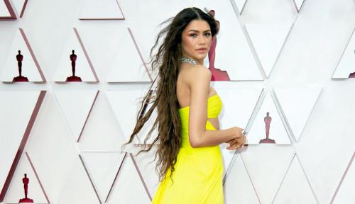 Bukan karena Raih Best Supporting Actress, Zendaya Jadi Sorotan Oscar 2021 Gegara Berlian...