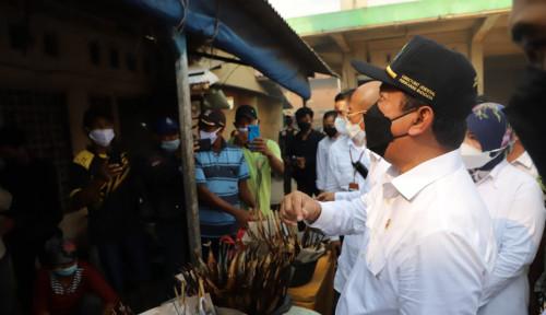 Menteri Trenggono Dorong Sentra Pengolahan Ikan  Asap Jadi Pusat Ekonomi Kerakyatan