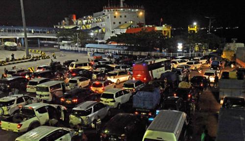 Pelabuhan Merak Mulai Ramai Dijejali Pemudik dari Jabodetabek