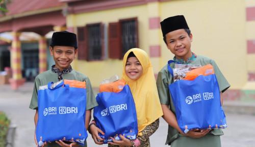 Maknai Ramadan, BRI Bagikan Sembako ke Sejumlah Kawasan
