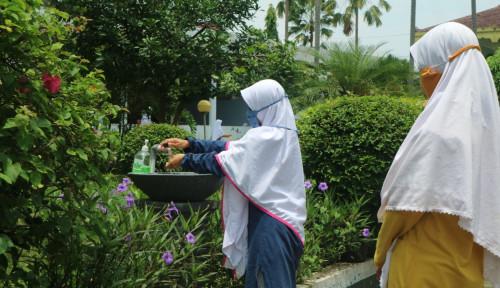 Edukasi Santri di Pondok Pesantren, Upaya Cegah Covid-19