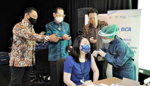 Perdana di Sektor Perbankan, BCA Kerja Sama dengan Kimia Farma Laksanakan Vaksinasi Gotong Royong