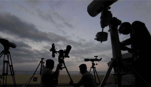Penjelasan Ilmiah dari BMKG Soal Gerhana Bulan Total yang Memicu Banjir Rob