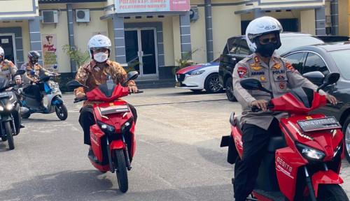 Galakkan Penggunaan Energi Bersih & Ramah Lingkungan, Kapolda Babel Ajak Anggota Pakai Motor Listrik
