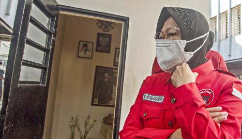 Risma Sedang Menampar Wajah Pak Joko Widodo