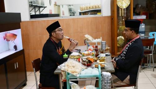 Momen Kehangatan Anies-Ridwan Kamil  yang Seruput Teh Botol dan Foto Pak SBY