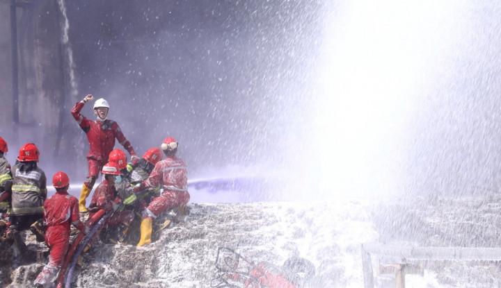 Puluhan Jam Tangani Kebakaran di Tangki Kilang Cilacap, FSPPB Apresiasi Pekerja Pertamina