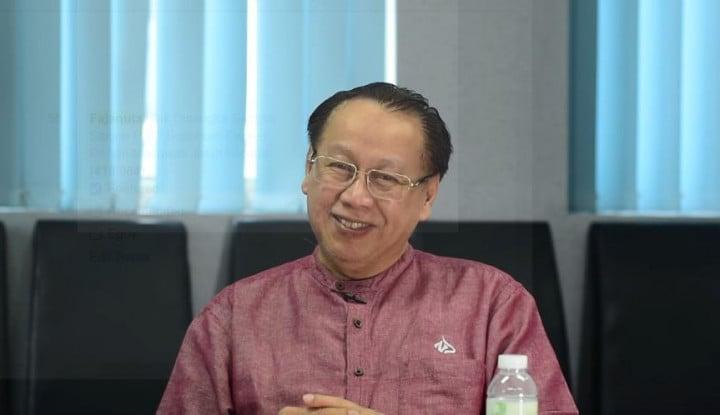 Foto Berita Kisah Nyata Pendiri JNE Johari Zein, Dari Mualaf hingga Sedekah Justru Antarkan Kesuksesan