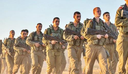 Tentara Israel dengan Kemampuan Militernya Mejeng di Sepanjang Perbatasan Gaza